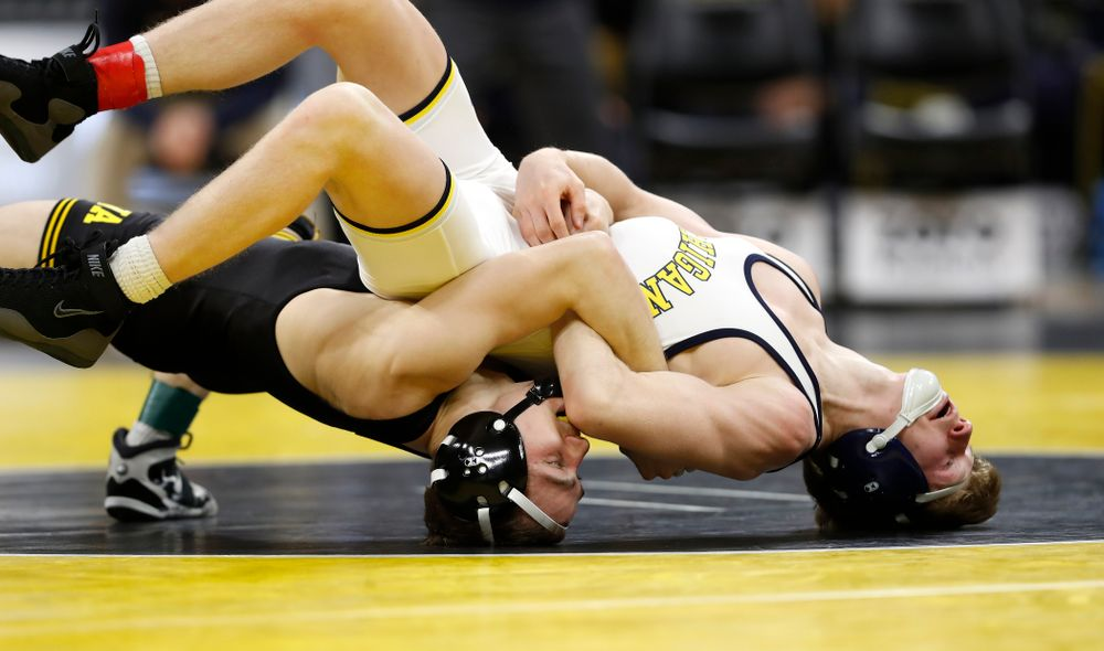 Iowa's Spencer Lee tech falls Michigan's Drew Mattin