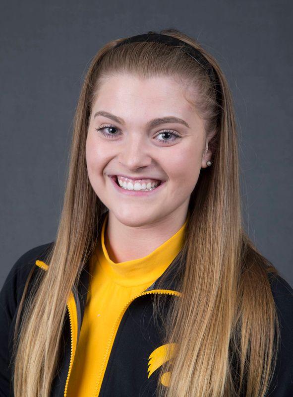 Arika Henry - Women's Rowing - University of Iowa Athletics
