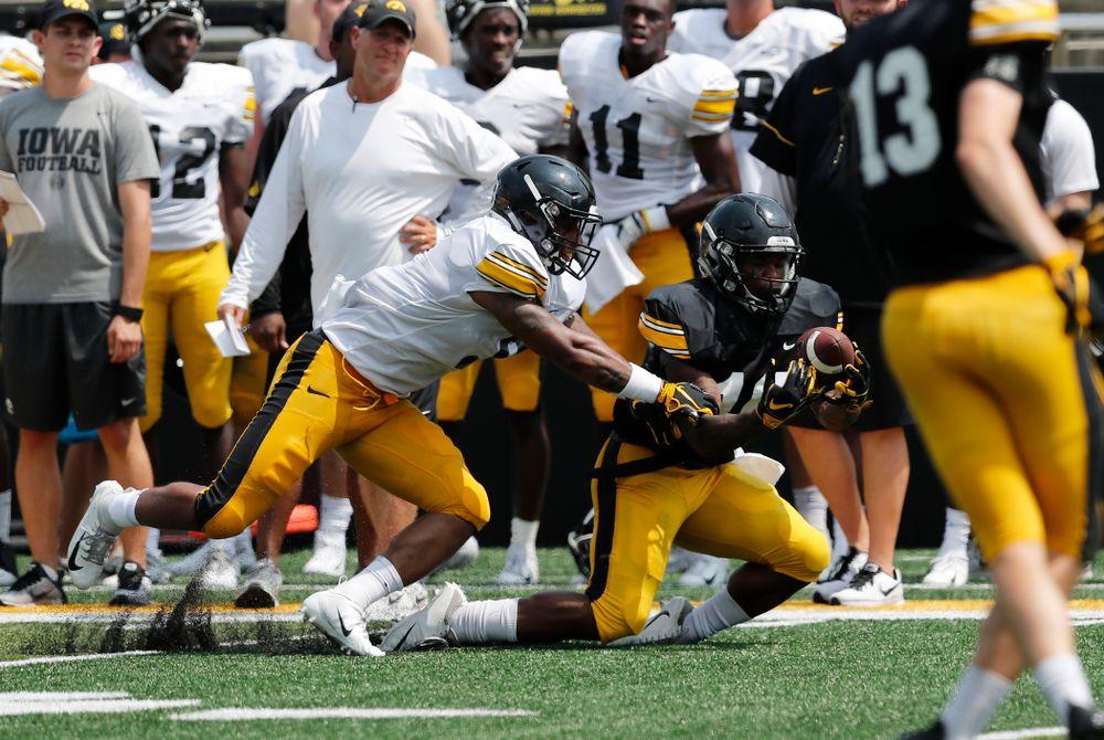 Iowa Hawkeyes running back Mekhi Sargent (10) during Kids Day Saturday, August 11, 2018 at Kinnick Stadium. (Brian Ray/hawkeyesports.com)