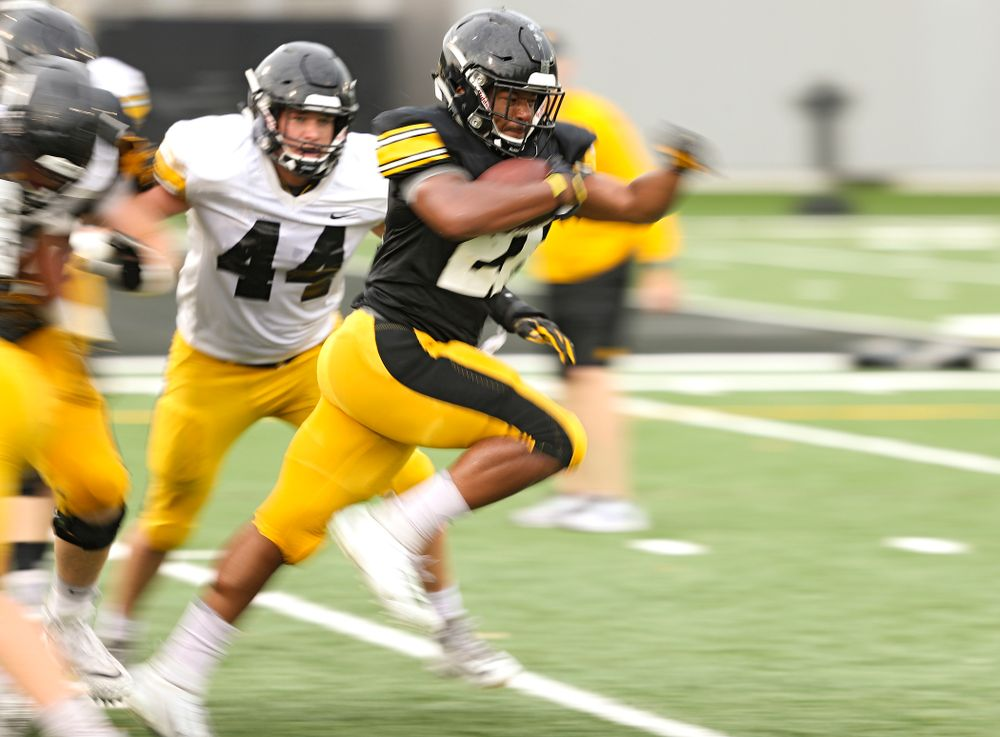 Iowa Hawkeyes running back Ivory Kelly-Martin (21) carries the ball durning Fall Camp Practice No. 17 at the Hansen Football Performance Center in Iowa City on Wednesday, Aug 21, 2019. (Stephen Mally/hawkeyesports.com)