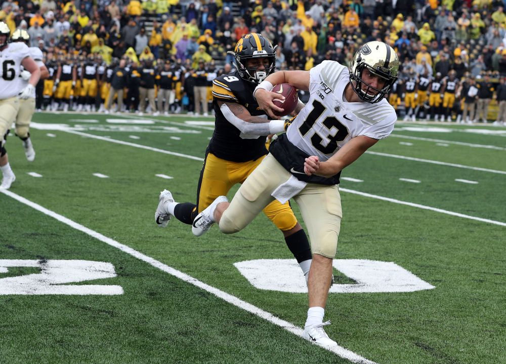 Iowa Hawkeyes defensive back Geno Stone (9) against the Purdue Boilermakers Saturday, October 19, 2019 at Kinnick Stadium. (Brian Ray/hawkeyesports.com)