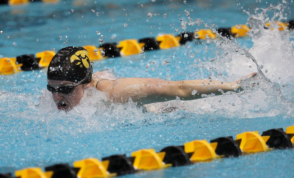 Iowa's Amy Lenderink competes in the 400-yard medley relay during a meet against Michigan and Denver at the Campus Recreation and Wellness Center on November 3, 2018. (Tork Mason/hawkeyesports.com)