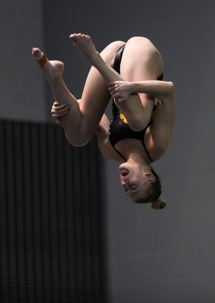 Iowa's Sam Tamborski competes in the women's 3-meter springboard competition during the third day of the Hawkeye Invitational at the Campus Recreation and Wellness Center on November 16, 2018. (Tork Mason/hawkeyesports.com)