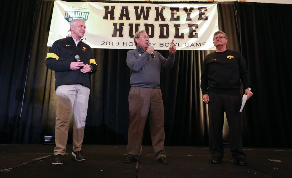 University of Iowa President Bruce Harreld addresses the crowd during the Holiday Bowl Hawkeye Huddle Thursday, December 26, 2019 at the Hilton in downtown San Diego. (Brian Ray/hawkeyesports.com)