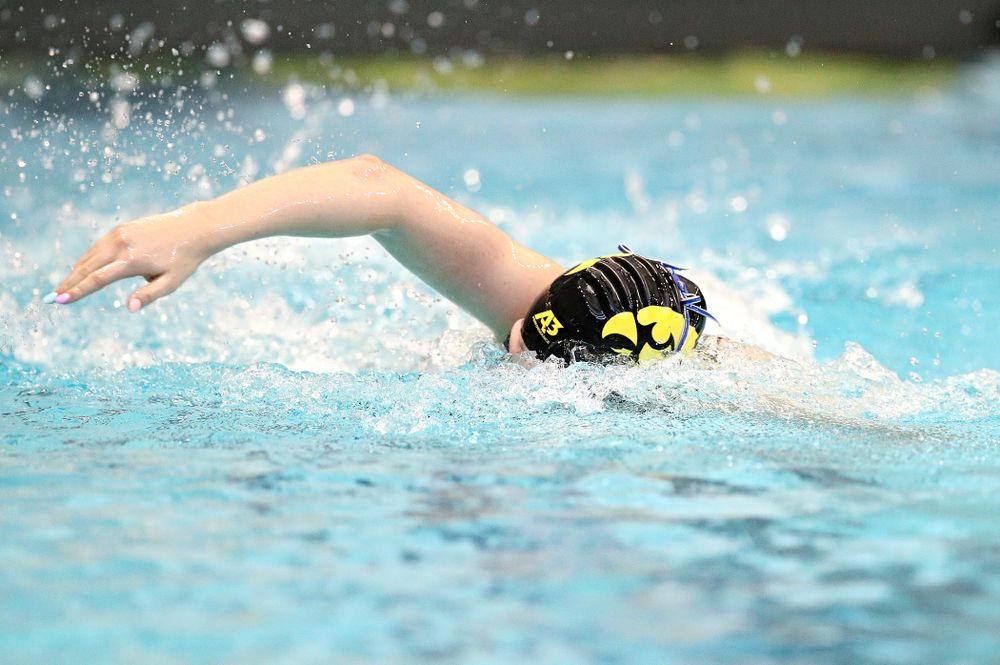 Iowa's Anna Brooker swims the women's 500 yard freestyle preliminary event during the 2020 Women's Big Ten Swimming and Diving Championships at the Campus Recreation and Wellness Center in Iowa City on Thursday, February 20, 2020. (Stephen Mally/hawkeyesports.com)