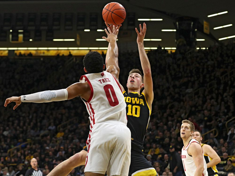 Iowa Hawkeyes guard Joe Wieskamp (10) puts up a shot during the first half of their game at Carver-Hawkeye Arena in Iowa City on Monday, January 27, 2020. (Stephen Mally/hawkeyesports.com)