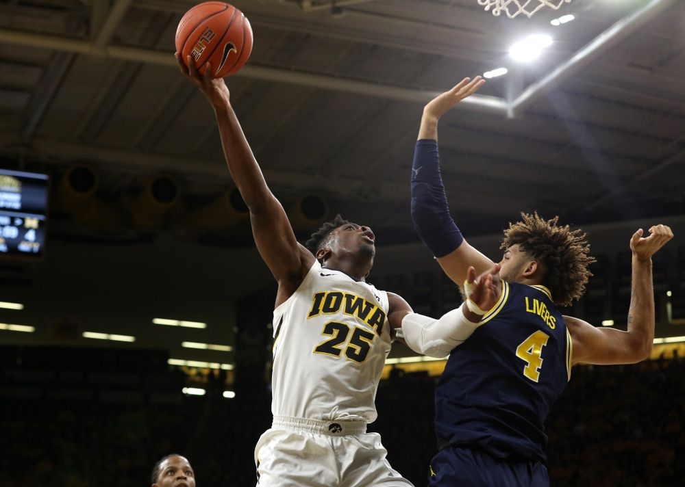 Iowa Hawkeyes forward Tyler Cook (25) against the Michigan Wolverines  Friday, February 1, 2019 at Carver-Hawkeye Arena. (Brian Ray/hawkeyesports.com)