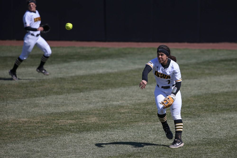 Iowa outfielder Lea Thompson (7) at game 3 vs Northwestern on Sunday, March 31, 2019 at Bob Pearl Field. (Lily Smith/hawkeyesports.com)
