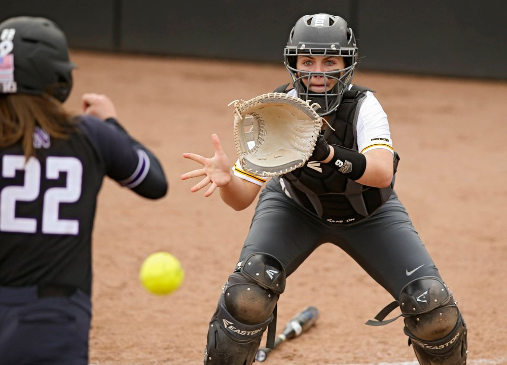 Iowa Hawkeyes Abby Lien (9) prepares for a throw during the second inning of their Big Ten Conference softball game at Pearl Field in Iowa City on Friday, Mar. 29, 2019. (Stephen Mally/hawkeyesports.com)