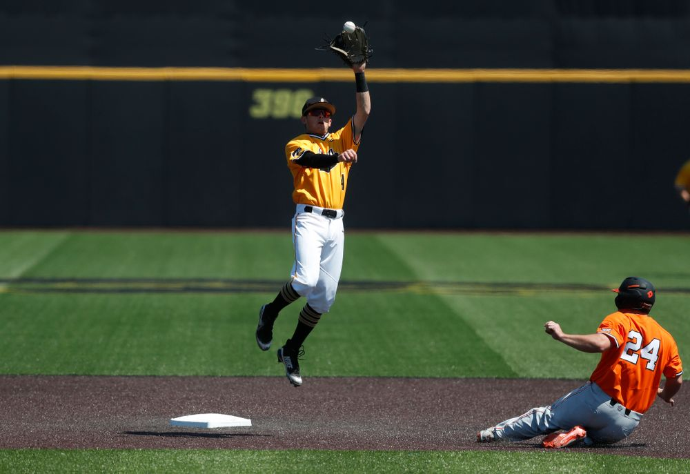 Iowa Hawkeyes infielder Mitchell Boe (4) against the Oklahoma State Cowboys Sunday, May 6, 2018 at Duane Banks Field. (Brian Ray/hawkeyesports.com)