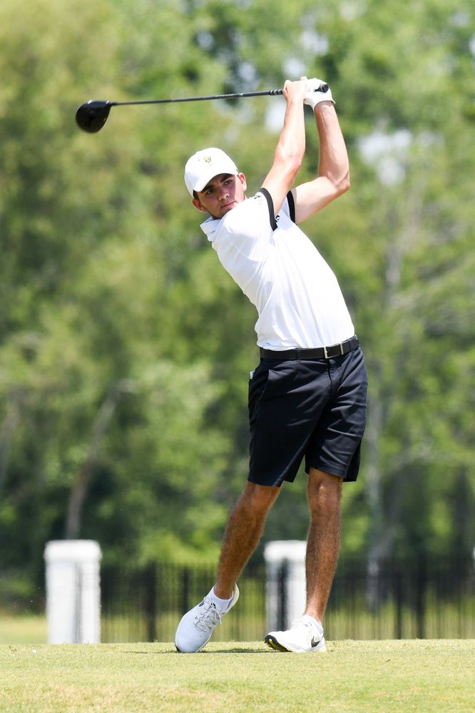 Freshman Jack Simpson competes in the first round of the NCAA Men's Golf Regional. (Photo:SE Sports Media/Sideline Sports).