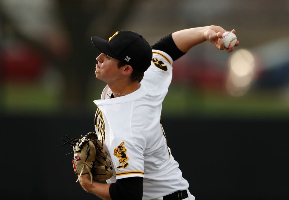 Iowa Hawkeyes pitcher Grant Judkins (7) against the Missouri Tigers Tuesday, May 1, 2018 at Duane Banks Field. (Brian Ray/hawkeyesports.com)