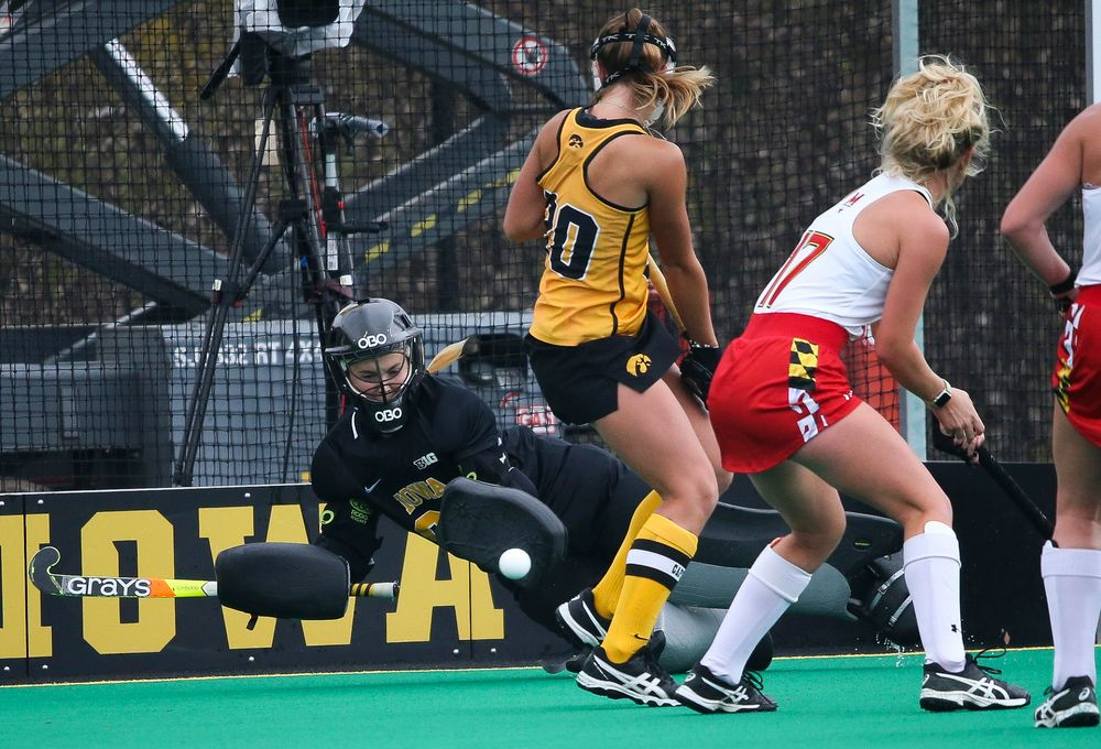 Iowa Hawkeyes goalkeeper Leslie Speight (96) makes a save during a game against Maryland at Grant Field on October 14, 2018. (Tork Mason/hawkeyesports.com)