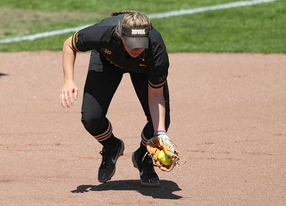 Iowa third baseman Sydney Owens (5) fields a ground ball during the first inning of their game against Ohio State at Pearl Field in Iowa City on Saturday, May. 4, 2019. (Stephen Mally/hawkeyesports.com)