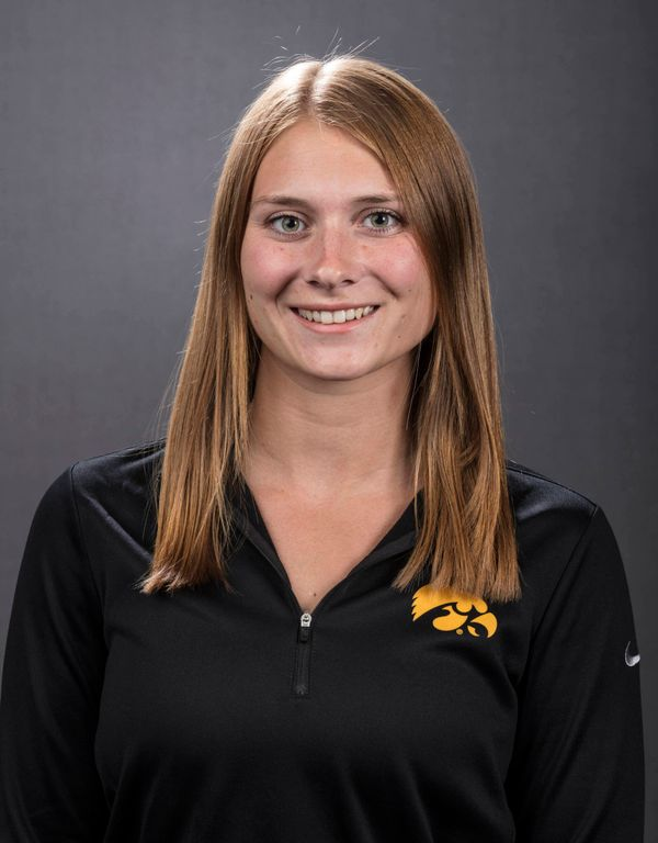 Kasia Gniatczyk - Women's Rowing - University of Iowa Athletics