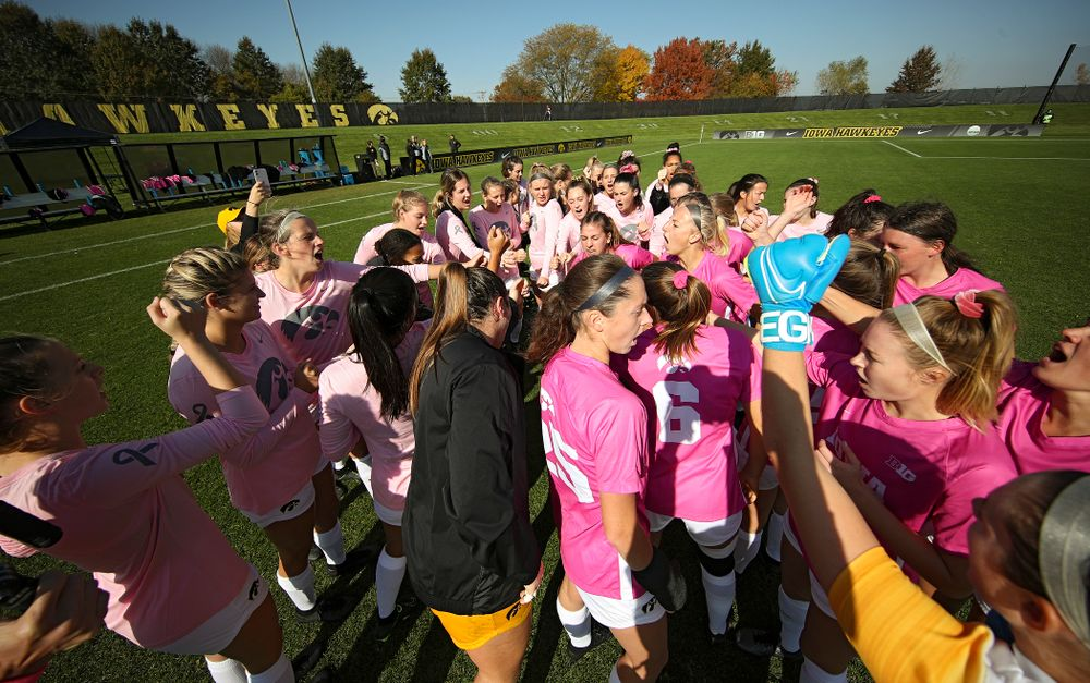 The Iowa Hawkeyes huddle before their match at the Iowa Soccer Complex in Iowa City on Sunday, Oct 27, 2019. (Stephen Mally/hawkeyesports.com)
