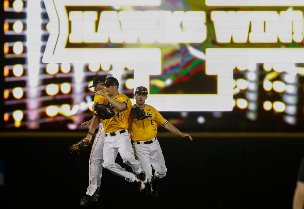 Iowa Hawkeyes outfielder Ben Norman (9), outfielder Robert Neustrom (44), and outfielder Justin Jenkins (6) against the Penn State Nittany Lions Saturday, May 19, 2018 at Duane Banks Field. (Brian Ray/hawkeyesports.com)