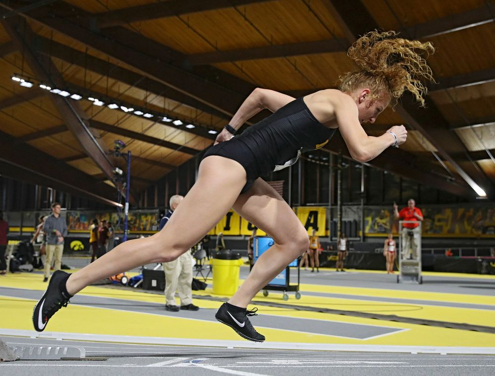 Iowa's Kylie Morken runs the women's 200 meter dash event during the Larry Wieczorek Invitational at the Recreation Building in Iowa City on Friday, January 17, 2020. (Stephen Mally/hawkeyesports.com)