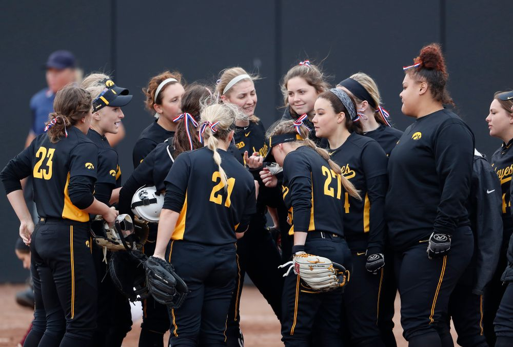 The Iowa Hawkeyes against the Minnesota Golden Gophers Friday, April 13, 2018 at Bob Pearl Field. (Brian Ray/hawkeyesports.com)