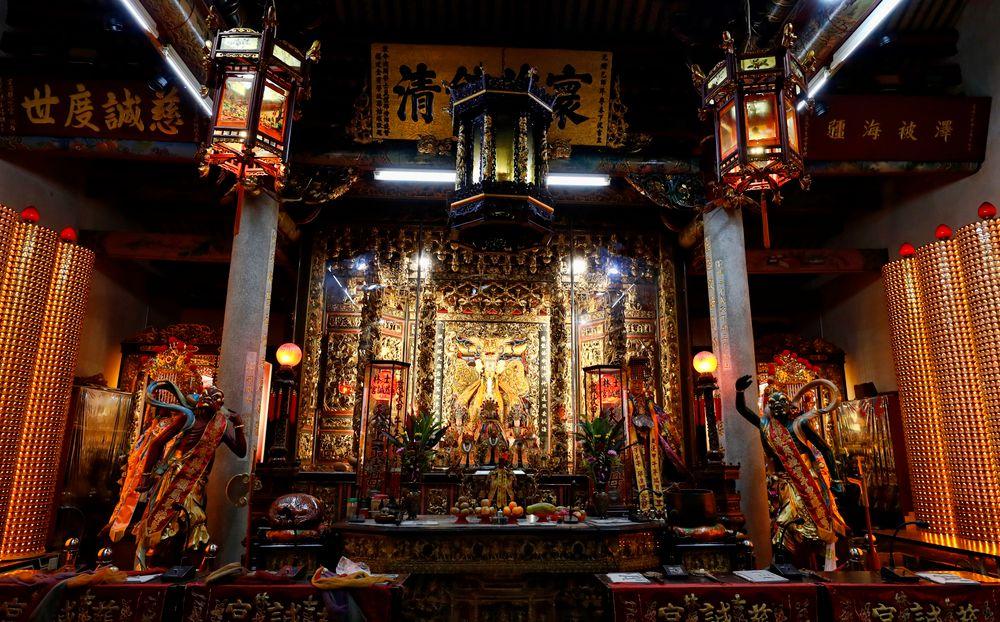 Shilin Night Market Temple