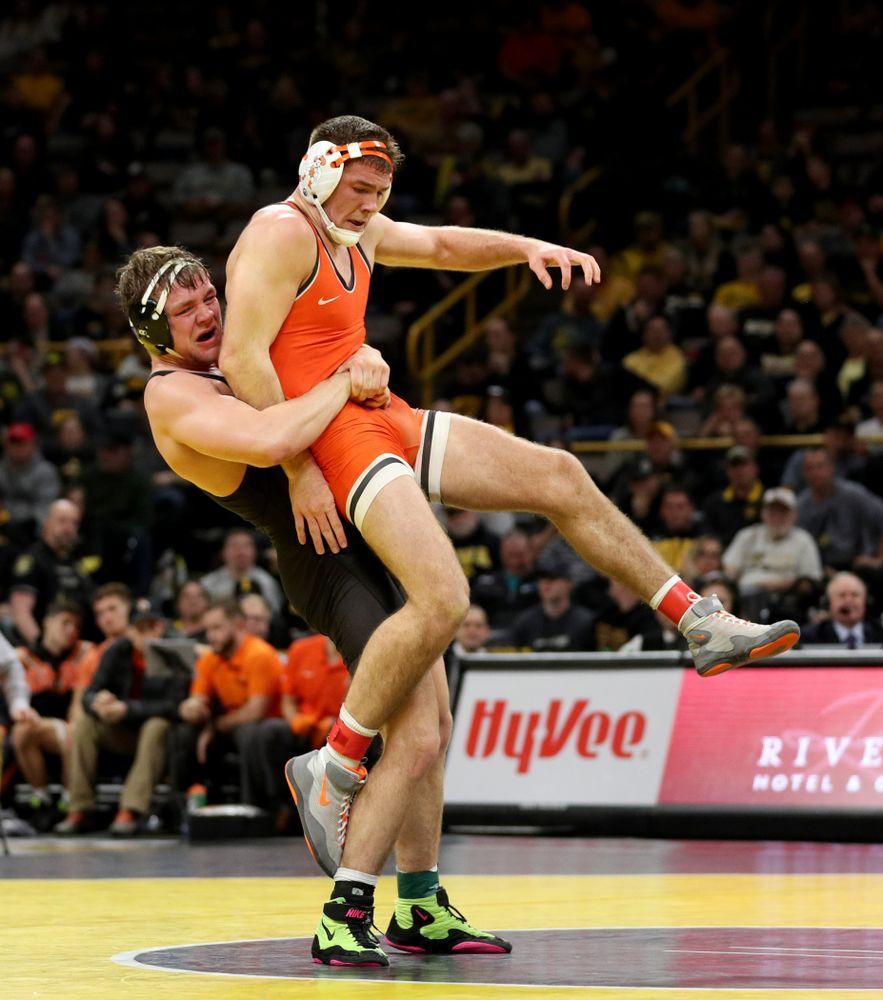 Iowa's Jacob Warner wrestles Oklahoma State's Dakota Geer at 197 pounds Sunday, February 23, 2020 at Carver-Hawkeye Arena. Warner won the match 8-3. (Brian Ray/hawkeyesports.com)