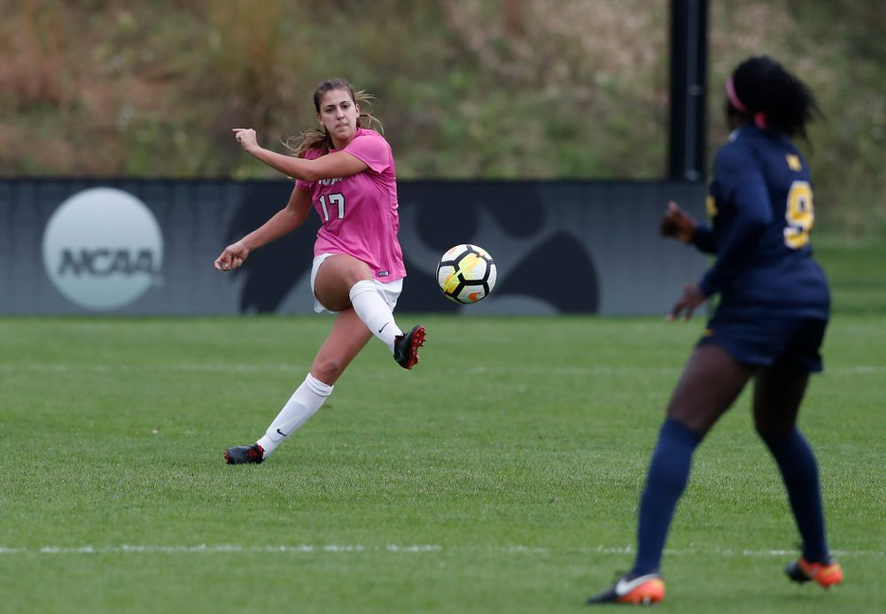 Iowa Hawkeyes Hannah Drkulec (17) against Michigan Sunday, October 14, 2018 at the Iowa Soccer Complex. (Brian Ray/hawkeyesports.com)