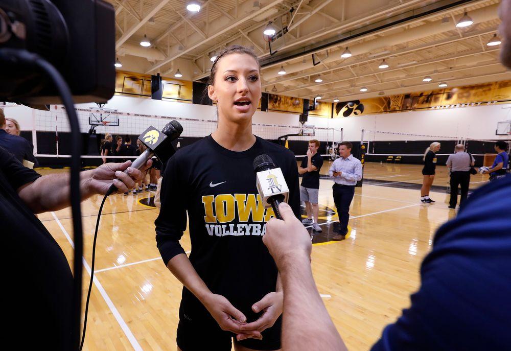 Iowa Volleyball's Iowa Kasey Reuter
