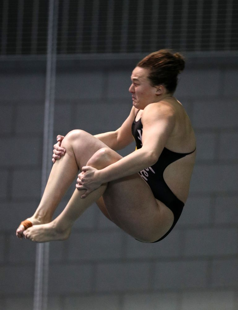 Iowa's Jacintha Thomas competes on the 3-meter springboard against the Iowa State Cyclones in the Iowa Corn Cy-Hawk Series Friday, December 7, 2018 at at the Campus Recreation and Wellness Center. (Brian Ray/hawkeyesports.com)
