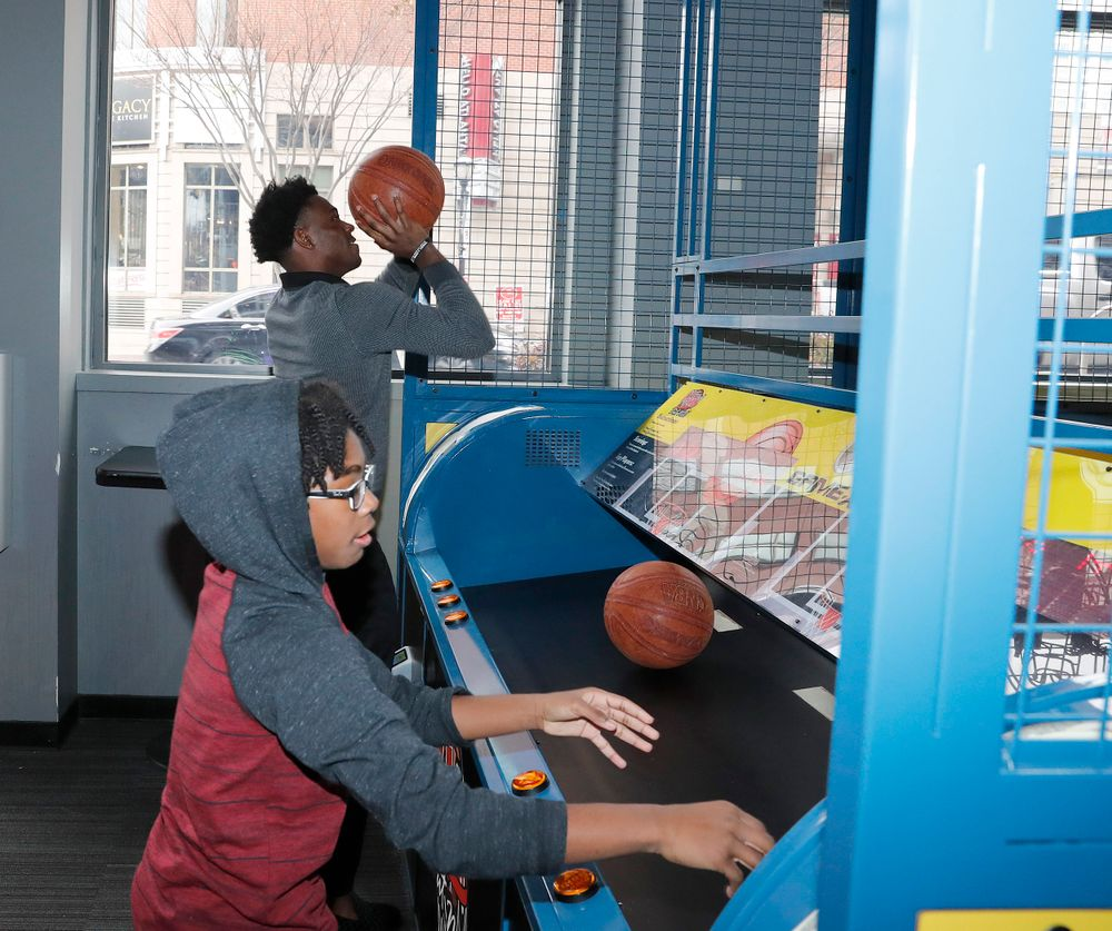 Joshua Jackson challeneges his brother in hoops at Game-X in Atlanta