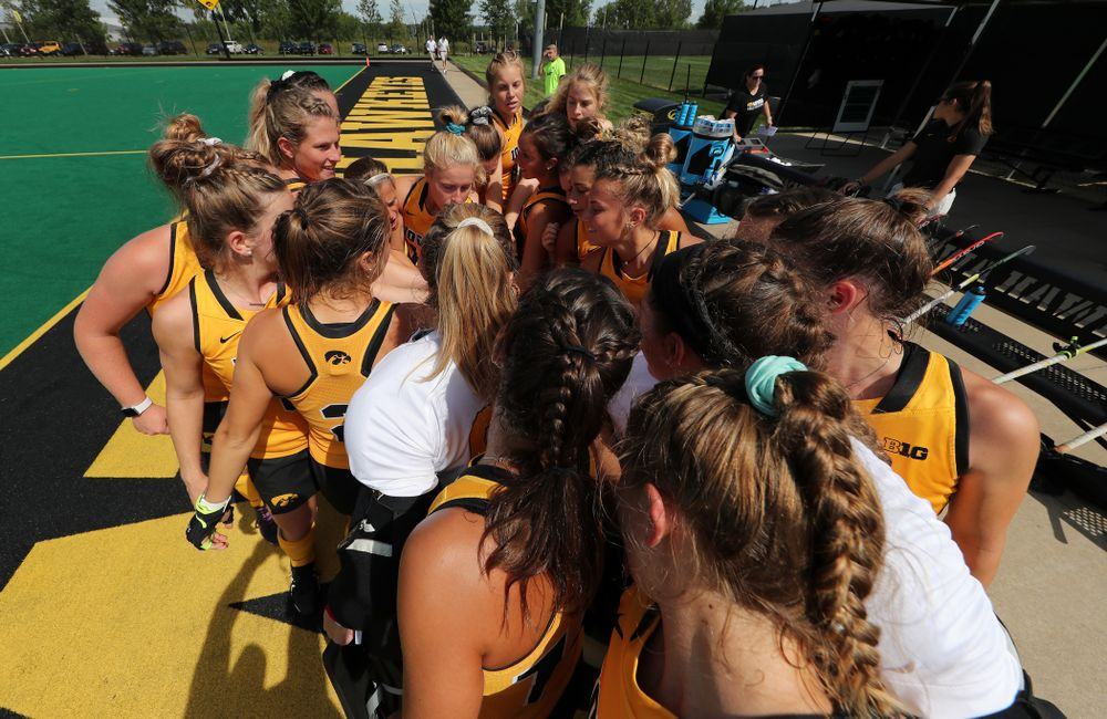 The Iowa Hawkeyes gather before an exhibition game against Northwestern Saturday, August 24, 2019 at Grant Field. (Brian Ray/hawkeyesports.com)