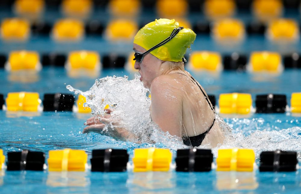 Kelsey Drake swims the 200 yard IM during the Black and Gold Intrasquad Saturday, September 29, 2018 at the Campus Recreation and Wellness Center. (Brian Ray/hawkeyesports.com)
