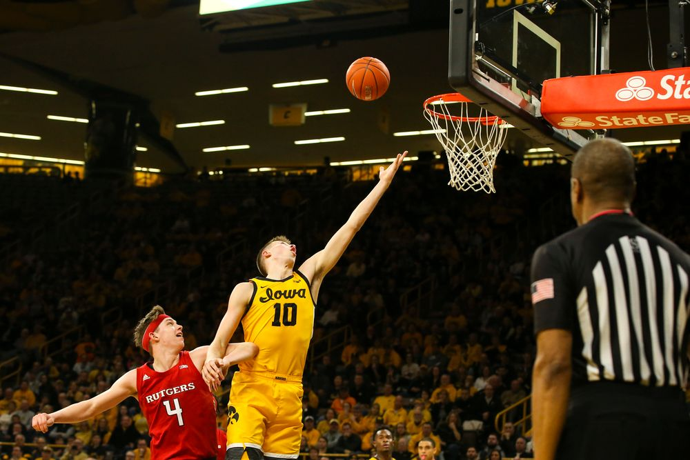 Iowa Hawkeyes guard Joe Wieskamp (10) attempts to catch a rebound during the Iowa men's basketball game vs Rutgers on Wednesday, January 22, 2020 at Carver-Hawkeye Arena. (Lily Smith/hawkeyesports.com)
