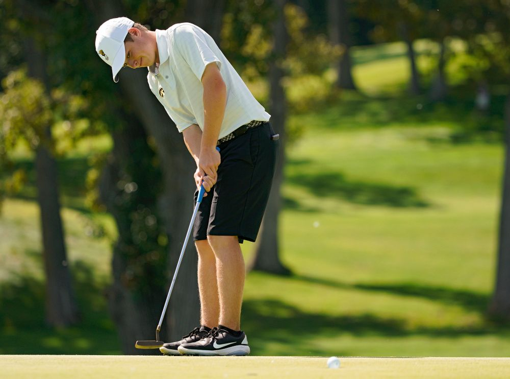 Iowa's Matthew Garside putts during the second day of the Golfweek Conference Challenge at the Cedar Rapids Country Club in Cedar Rapids on Monday, Sep 16, 2019. (Stephen Mally/hawkeyesports.com)