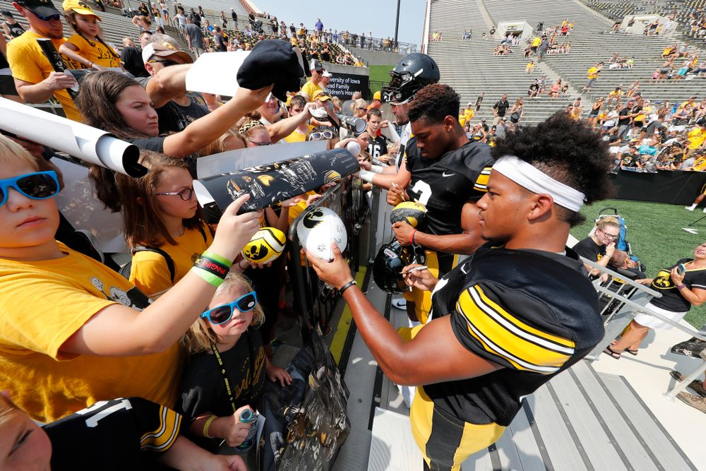 Iowa Hawkeyes running back Ivory Kelly-Martin (21) and wide receiver Tyrone Tracy Jr. (3) during Kids Day Saturday, August 11, 2018 at Kinnick Stadium. (Brian Ray/hawkeyesports.com)