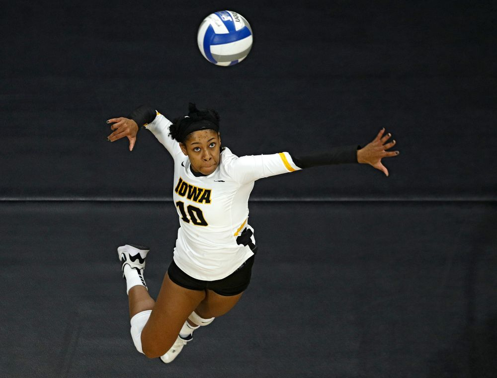 Iowa's Griere Hughes (10) lines up a shot during the third set of their match at Carver-Hawkeye Arena in Iowa City on Saturday, Nov 30, 2019. (Stephen Mally/hawkeyesports.com)