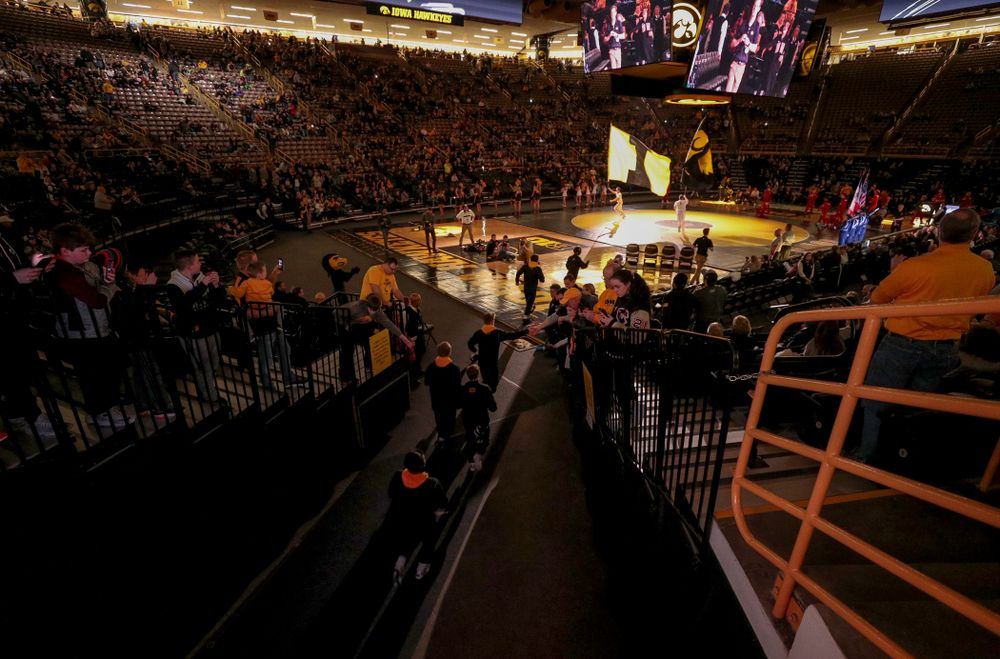 The Iowa Hawkeyes take the mat for their meet against the Indiana Hoosiers Friday, February 15, 2019 at Carver-Hawkeye Arena. (Brian Ray/hawkeyesports.com)