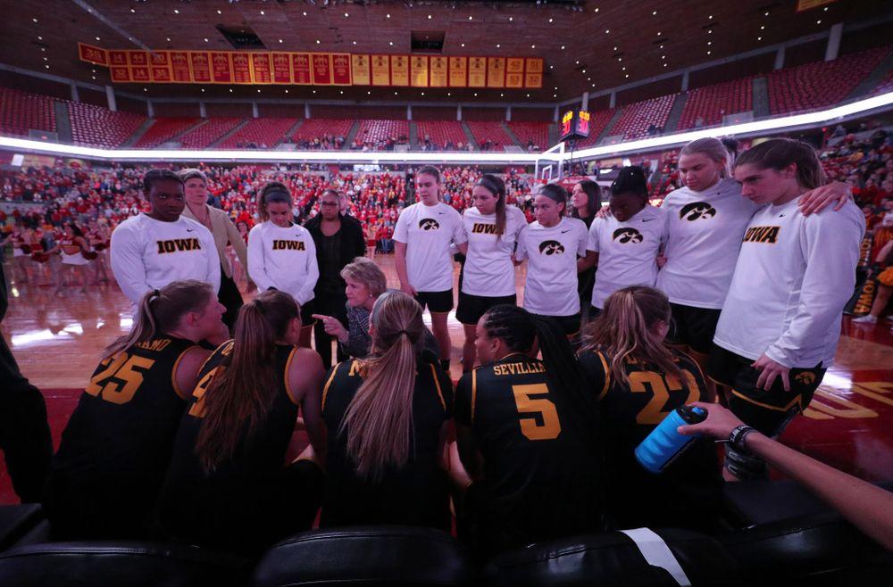Iowa Hawkeyes head coach Lisa Bluder against the Iowa State Cyclones Wednesday, December 11, 2019 at Hilton Coliseum in Ames, Iowa(Brian Ray/hawkeyesports.com)