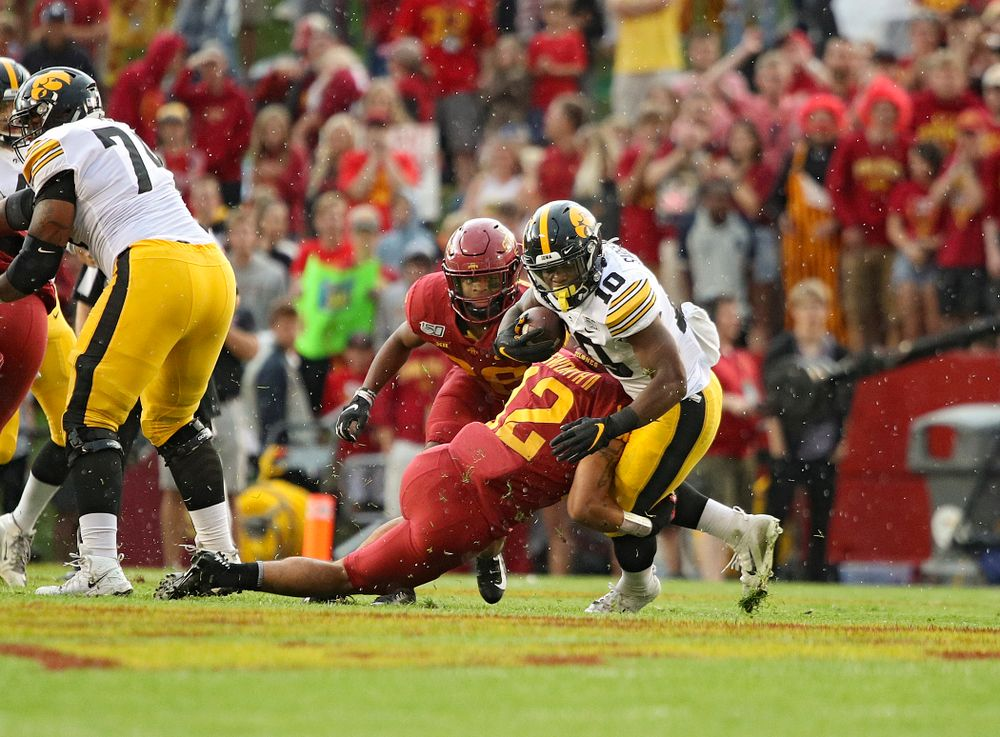 Iowa Hawkeyes running back Mekhi Sargent (10) on a run during the first quarter of their Iowa Corn Cy-Hawk Series game at Jack Trice Stadium in Ames on Saturday, Sep 14, 2019. (Stephen Mally/hawkeyesports.com)