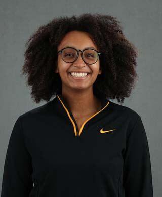 Eldaleona Odole - Women's Rowing - University of Iowa Athletics