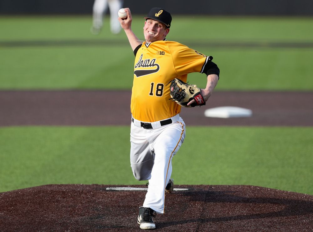 Iowa Hawkeyes pitcher Shane Ritter (18) delivers to the plate during the fifth inning of their game against Northern Illinois at Duane Banks Field in Iowa City on Tuesday, Apr. 16, 2019. (Stephen Mally/hawkeyesports.com)