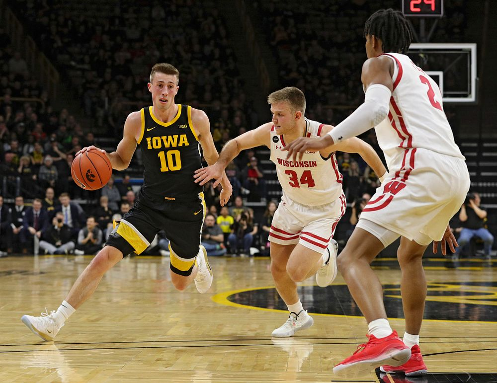 Iowa Hawkeyes guard Joe Wieskamp (10) drives with the ball during the first half of their game at Carver-Hawkeye Arena in Iowa City on Monday, January 27, 2020. (Stephen Mally/hawkeyesports.com)