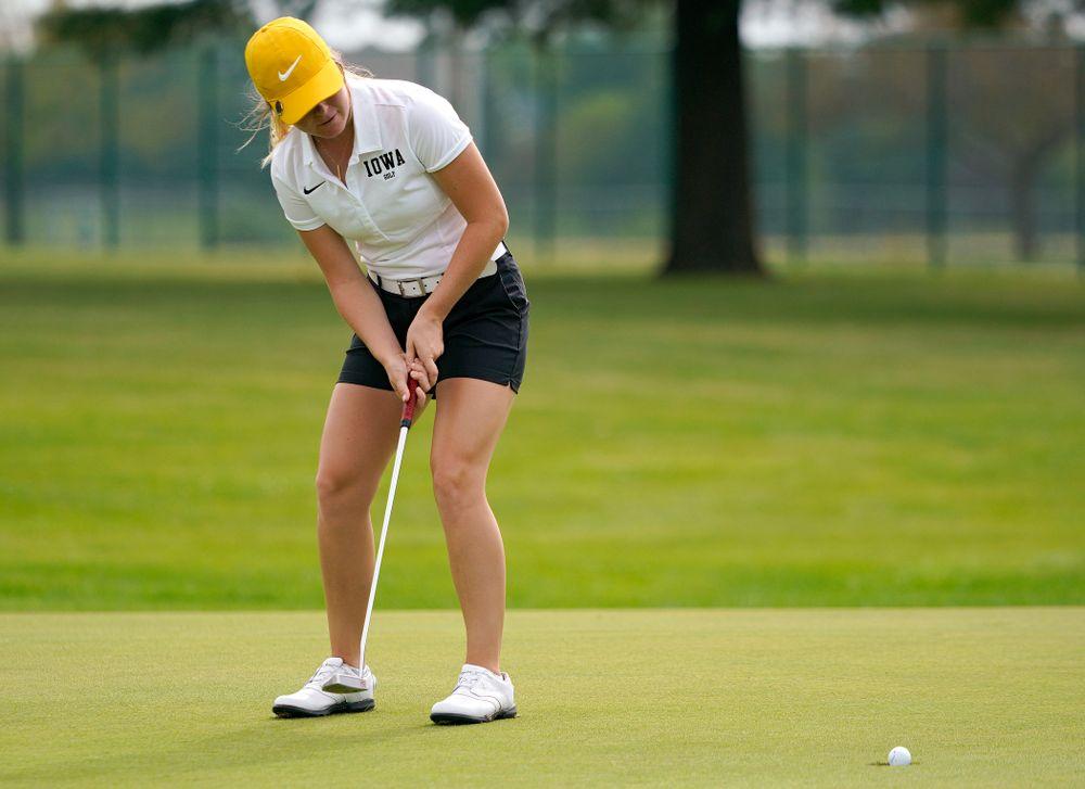 Iowa's Morgan Goldstein putts during their dual against Northern Iowa at Pheasant Ridge Golf Course in Cedar Falls on Monday, Sep 2, 2019. (Stephen Mally/hawkeyesports.com)