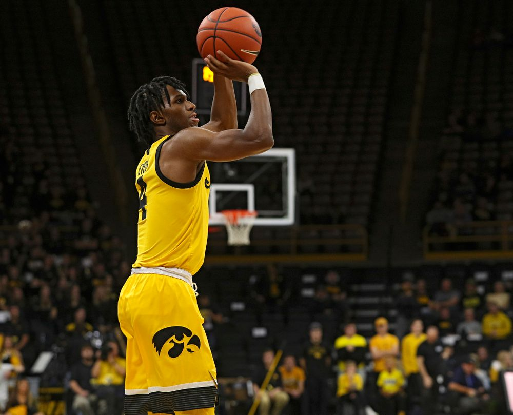 Iowa Hawkeyes guard Bakari Evelyn (4) lines up a shot during the second half of their game at Carver-Hawkeye Arena in Iowa City on Monday, Nov 11, 2019. (Stephen Mally/hawkeyesports.com)