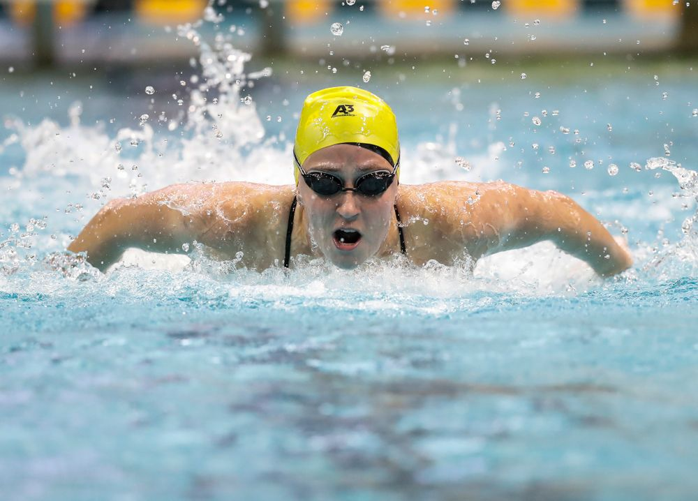 Kelly McNamara swims the 100 yard butterfly during the Black and Gold Intrasquad Saturday, September 29, 2018 at the Campus Recreation and Wellness Center. (Brian Ray/hawkeyesports.com)