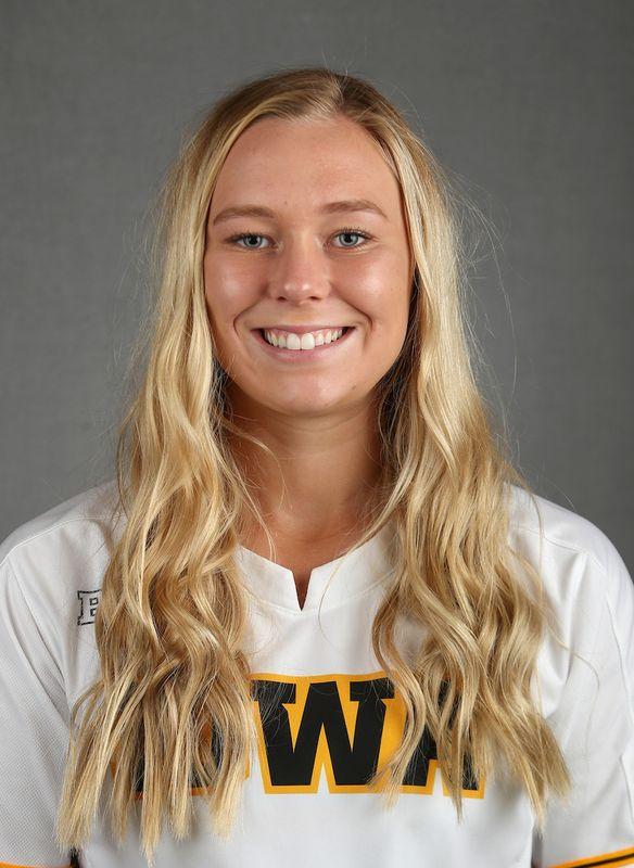 Denali Loecker - Softball - University of Iowa Athletics