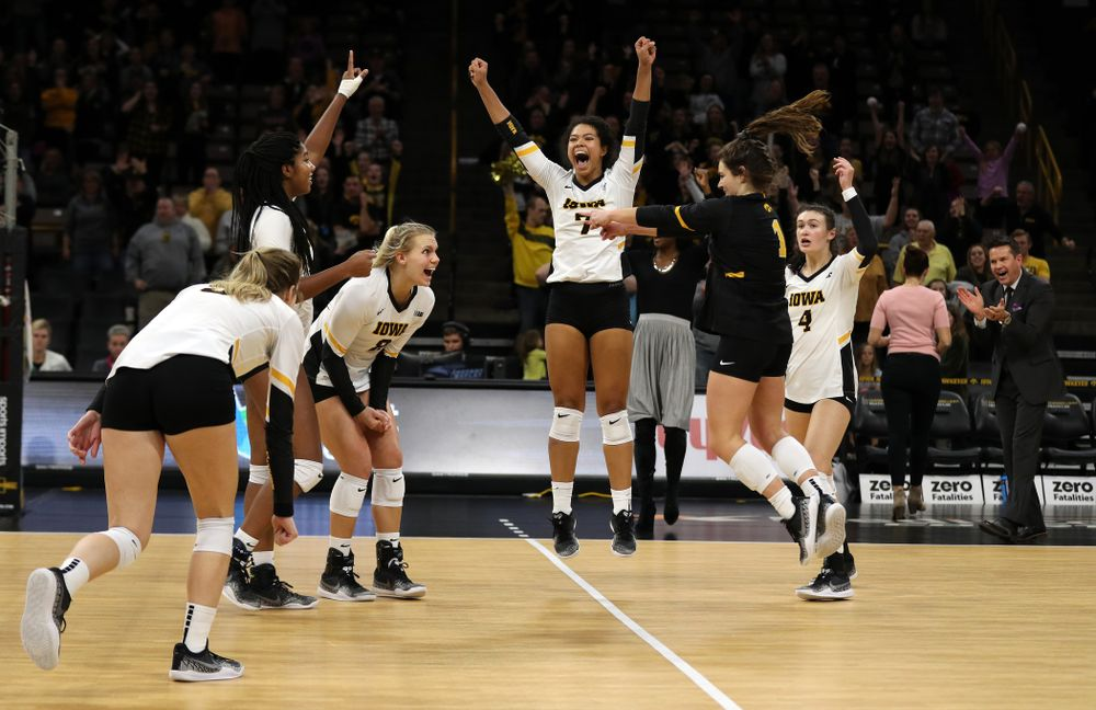 The Iowa Hawkeyes celebrate match point in the 5th game against the Ohio State Buckeyes Saturday, November 24, 2018 at Carver-Hawkeye Arena. (Brian Ray/hawkeyesports.com)