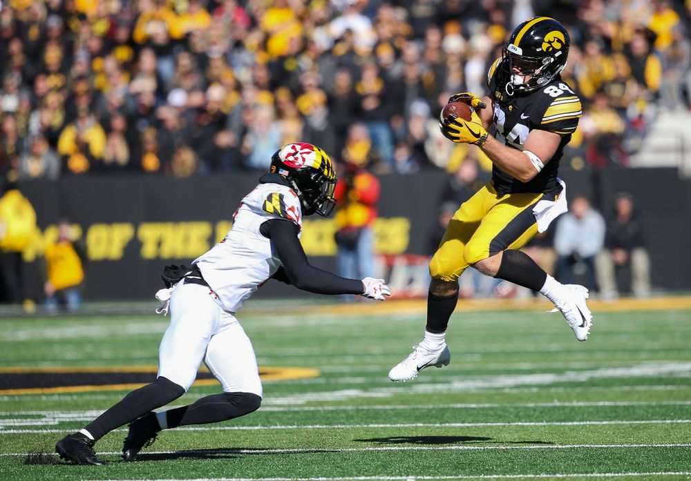 Iowa Hawkeyes wide receiver Nick Easley (84) makes a reception during a game against Maryland at Kinnick Stadium on October 20, 2018. (Tork Mason/hawkeyesports.com)