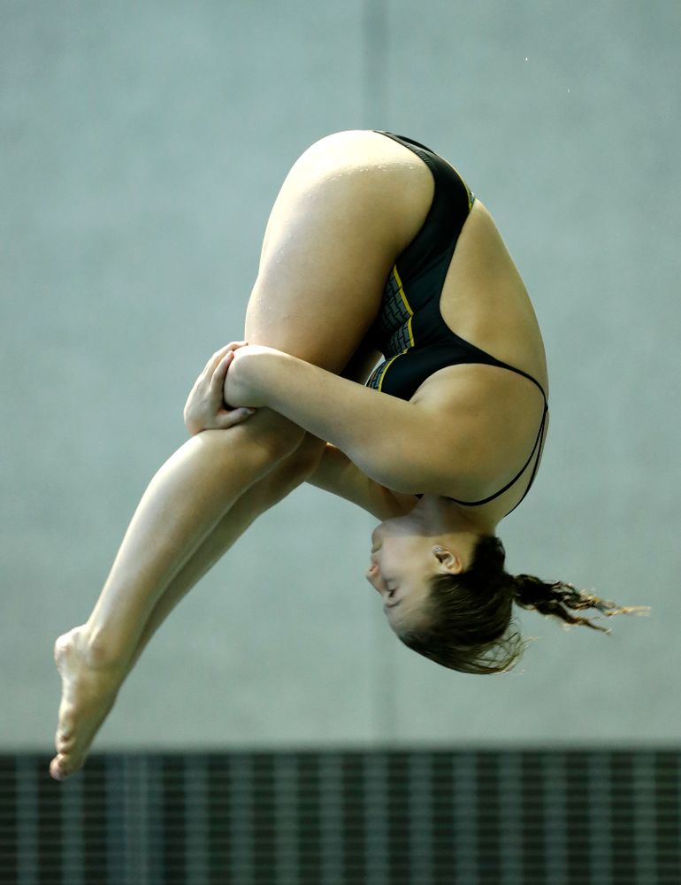 Saturday, January 13, 2018 (Brian Ray/hawkeyesports.com)Iowa's Claire Park competes on the one meter springboard