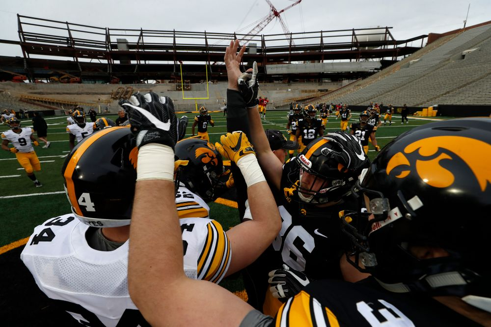 The Iowa Hawkeyes during the final spring practice Friday, April 20, 2018 at Kinnick Stadium. (Brian Ray/hawkeyesports.com)
