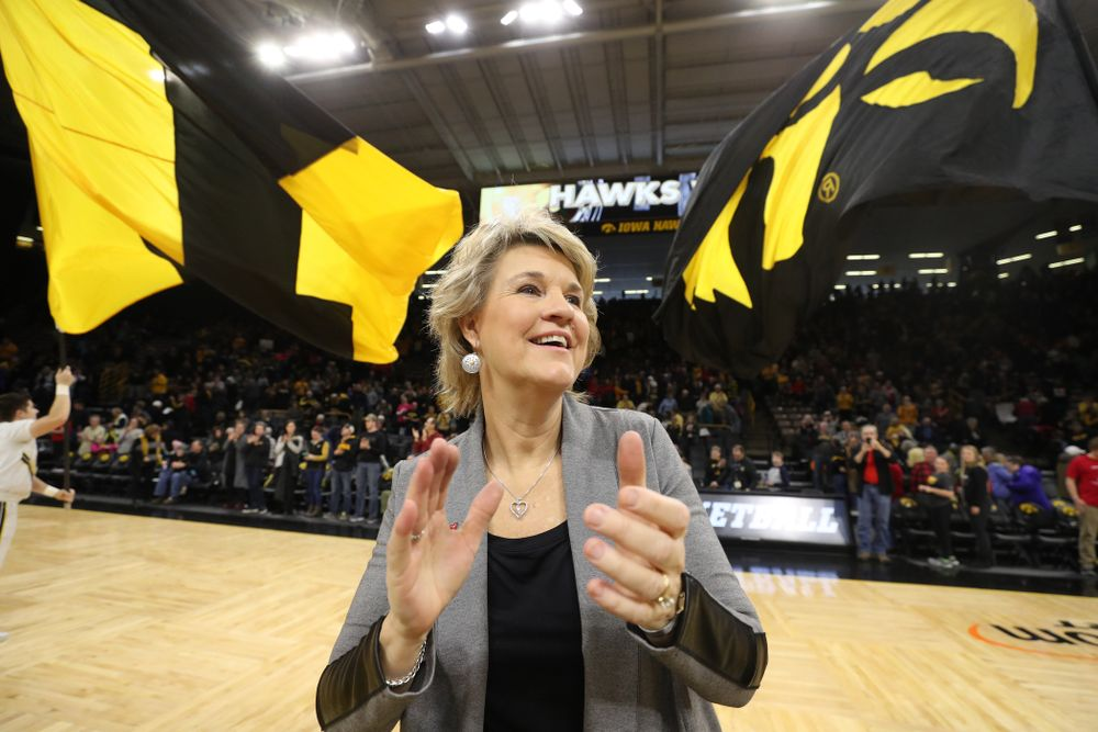 Iowa Hawkeyes head coach Lisa Bluder against the Purdue Boilermakers Sunday, January 27, 2019 at Carver-Hawkeye Arena. (Brian Ray/hawkeyesports.com)